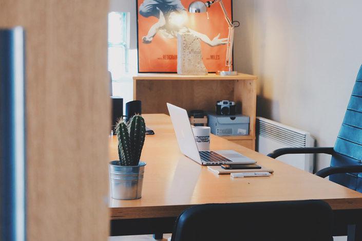 Fotografie: kancelářský stůl